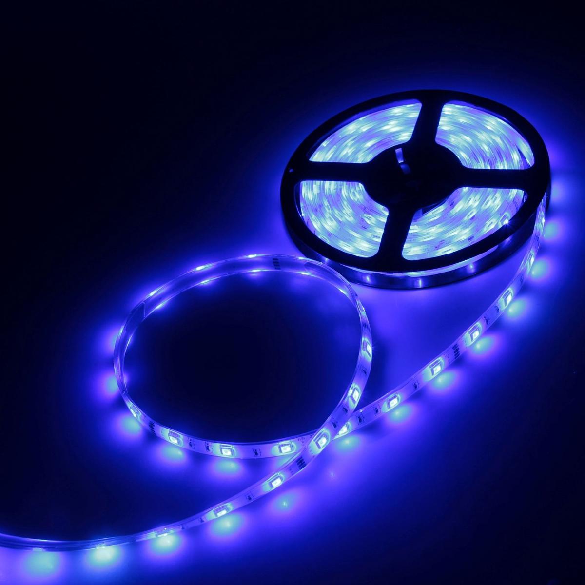 Светодиодная лента Luazon, 12 В, SMD5050, длина 5 м, IP68, 30 LED ламп, 7.2 Вт/м, 14-16 Лм/1 LED, DC, цвет: синий883933Светодиодная лента Luazon- это отличный вариант для новогоднего оформления интерьера или фасада. С ее помощью помещение любого размера можно превратить в праздничный зал, а внешние элементы зданий, украшенные ею, мгновенно станут напоминать очертания сказочного дворца. Такое украшения создает ауру предвкушения чуда. Деревья, фасады, витрины, окна и арки будто специально созданы, чтобы вы украсили их светящимися нитями.