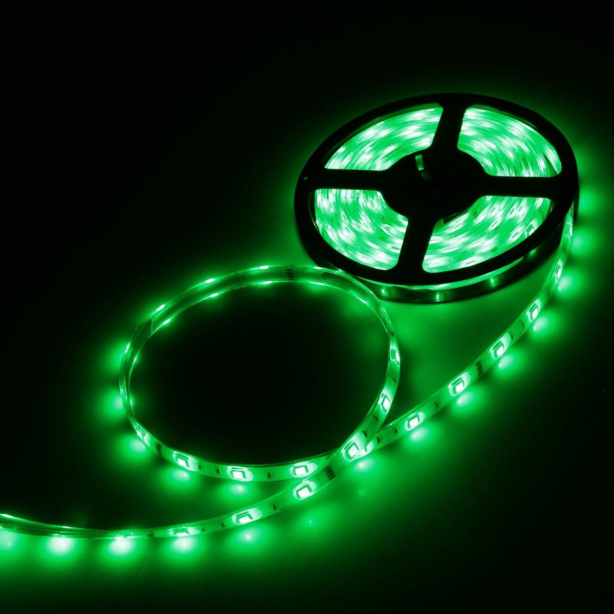 Светодиодная лента Luazon, 12В, SMD5050, длина 5 м, IP68, 30 LED ламп, 7.2 Вт/м, 14-16 Лм/1 LED, DC, цвет: зеленый883934Светодиодные гирлянды, ленты и т.д — это отличный вариант для новогоднего оформления интерьера или фасада. С их помощью помещение любого размера можно превратить в праздничный зал, а внешние элементы зданий, украшенные ими, мгновенно станут напоминать очертания сказочного дворца. Такие украшения создают ауру предвкушения чуда. Деревья, фасады, витрины, окна и арки будто специально созданы, чтобы вы украсили их светящимися нитями.