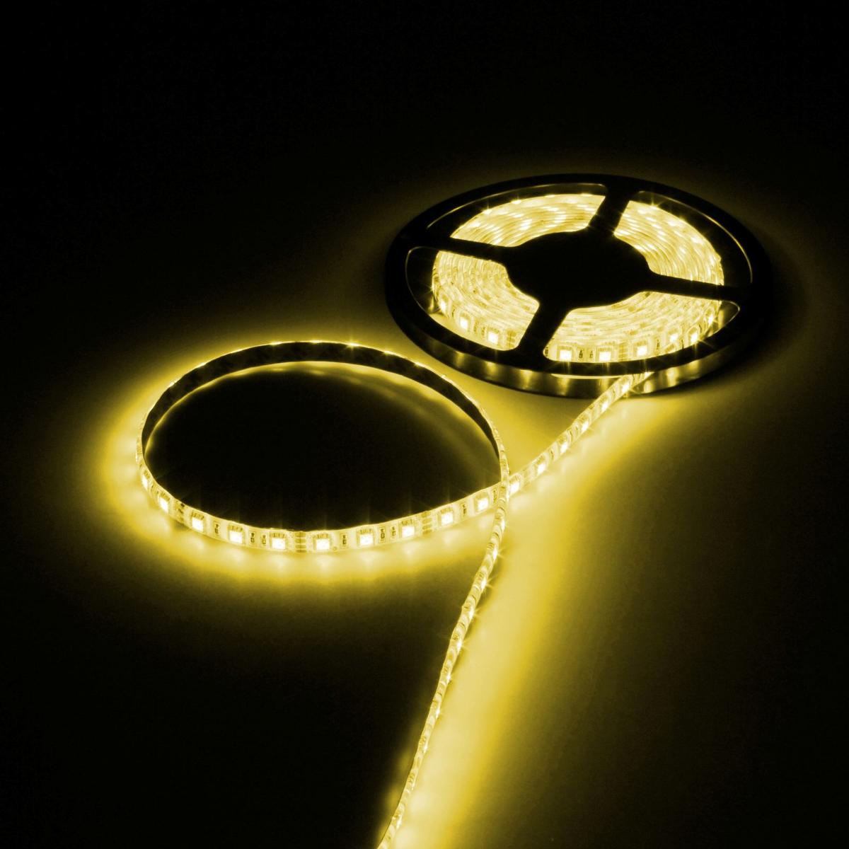 Светодиодная лента Luazon, 12В, SMD5050, длина 5 м, IP65, 60 LED ламп, 14.4 Вт/м, 14-16 Лм/1 LED, DC, цвет: желтый883948Светодиодные гирлянды, ленты и т.д — это отличный вариант для новогоднего оформления интерьера или фасада. С их помощью помещение любого размера можно превратить в праздничный зал, а внешние элементы зданий, украшенные ими, мгновенно станут напоминать очертания сказочного дворца. Такие украшения создают ауру предвкушения чуда. Деревья, фасады, витрины, окна и арки будто специально созданы, чтобы вы украсили их светящимися нитями.