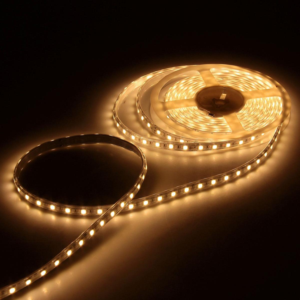 Светодиодная лента Luazon, 220В, SMD5050, длина 5 м, IP65, 60 LED ламп, 11 Вт/м, 16-18 Лм/1 LED, AC, цвет: теплый белый883975Светодиодные гирлянды, ленты и т.д — это отличный вариант для новогоднего оформления интерьера или фасада. С их помощью помещение любого размера можно превратить в праздничный зал, а внешние элементы зданий, украшенные ими, мгновенно станут напоминать очертания сказочного дворца. Такие украшения создают ауру предвкушения чуда. Деревья, фасады, витрины, окна и арки будто специально созданы, чтобы вы украсили их светящимися нитями.