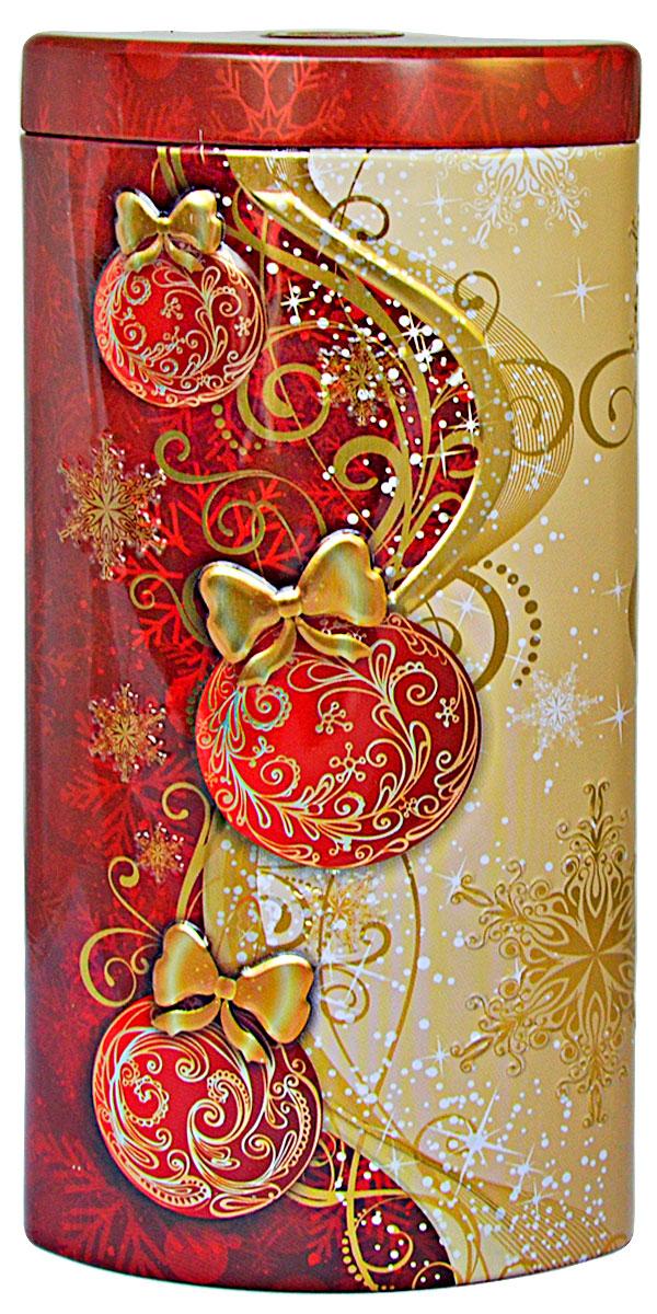 Избранное из моря чая Коллекция Долька. Новогодние шары. Красная чай черный листовой, 50 г4791029015514ТМ «ИЗБРАННОЕ ИЗ МОРЯ ЧАЯ», коллекция Долька - Новогодние шары (красная), жестяная банка в форме дольки с элементами конгрева, покрыта глянцевым и матовым лаком. Производитель: Mabroc Teas, Шри-Ланка, Состав: 100% цейлонский черный чай. Стандарт ОРА (крупный лист). Листья для этого чая собирают с кустов после того, как почки полностью раскрываются. В сухой заварке листья должны быть крупными (от 8 до 15 мм) и однородными. Этот сорт практически не содержит типсов, но имеет высокое содержание ароматических масел, и поэтому настой чая очень ароматен. Также этот чай характерен вкусом с горчинкой благодаря большому содержанию дубильных веществ. Чай упакован в фольгу для сохранения свежести и аромата. Этот чай упакован в пачки из фольги в Шри-Ланке сразу после сбора урожая, в период созревания чая, когда он наполнен полезными веществами и эфирными маслами. Знак в виде Льва с 17 пятнышками на шкуре - это гарантия Бюро Цейлонского Чая на соответствие чая высокому стандарту качества, установленному Правительством и упакованному только в пределах Шри-Ланки.