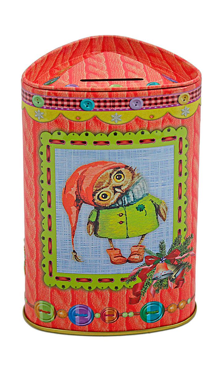 Избранное из моря чая Коллекция Копилка. Совы чай черный листовой, 50 г4791029066523ТМ «ИЗБРАННОЕ ИЗ МОРЯ ЧАЯ», коллекция Копилка - Совы, жестяная банка в форме трeугольника с элементами конгрева, покрыта глянцевым лаком, на вeрхнeй крышки прорeзь для вбрасывания монeт в копилку. Производитель: Mabroc Teas, Шри-Ланка, Состав: 100% цейлонский черный чай. Стандарт ОРА (крупный лист). Листья для этого чая собирают с кустов после того, как почки полностью раскрываются. В сухой заварке листья должны быть крупными (от 8 до 15 мм) и однородными. Этот сорт практически не содержит типсов, но имеет высокое содержание ароматических масел, и поэтому настой чая очень ароматен. Также этот чай характерен вкусом с горчинкой благодаря большому содержанию дубильных веществ. Чай упакован в фольгу для сохранения свежести и аромата. Этот чай упакован в пачки из фольги в Шри-Ланке сразу после сбора урожая, в период созревания чая, когда он наполнен полезными веществами и эфирными маслами. Знак в виде Льва с 17 пятнышками на шкуре - это гарантия Бюро Цейлонского Чая на соответствие чая высокому стандарту качества, установленному Правительством и упакованному только в пределах Шри-Ланки.