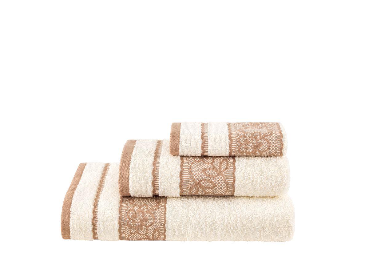"""Набор банных полотенец Estia """"Бэлла"""" состоит из 3 махровых полотенец, выполненных из натурального 100% хлопка с рисунком по краям.  Детали: полотенце однотонное из качественной махровой ткани, классический крой, декоративные вставки украшены флоральным орнаментом, имитирующим кружево. Изделия отлично впитывают влагу, быстро сохнут, сохраняют яркость цвета и не теряют формы даже после многократных стирок.  """"Эталонная"""" высота ворса - петелек, из которых состоит махровая ткань, - делает полотенца прочными и гигроскопичными; даже через много лет непрерывного использования они будут радовать вас великолепием свежих красок, мягкостью и эластичностью. Махровая ткань бережно массирует кожу, улучшая кровообращение, ее воздушная, мягкая текстура не вызывает раздражения, позволяя телу свободно дышать. Современные технологии в сочетании с высоким качеством натурального хлопка позволяют нашим махровым изделиям долгие годы оставаться такими же нежными и пушистыми, как и в день покупки.  Размер маленького полотенца: 30 х 50 см. Размер среднего полотенца: 50 х 100 см.  Размер большого полотенца: 70 х 140 см."""