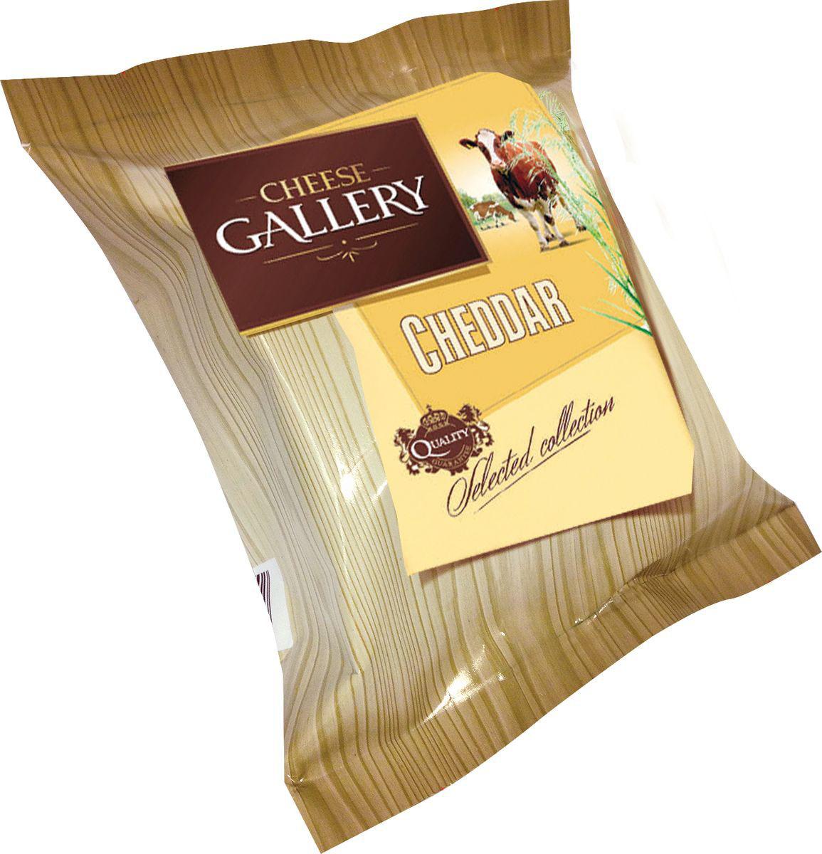 Cheese Gallery Сыр Чеддер, 50%, 250 г105-789Чеддер — популярный английский сыр Сыр имеет плотную текстуру без отверстий и сливочный цвет с желтым оттенком Что касается вкуса, то он ореховый, при этом слегка резковатый с кислинкой Цвет этого продукта обеспечивает природный краситель аннато Этот продукт можно подавать в качестве самостоятельной закуски , которая прекрасно сочетается с алкогольными напитками Кроме этого, используют этот сыр в рецептах многочисленных блюд: омлетов, салатов , бисквитов и др Чеддер прекрасно дополняет вкус мяса , рыбы и овощей Еще этот продукт используют для приготовления бутербродов , канапе и многочисленных закусок На основе сыра чеддер готовят разные соусы Используют его и для запекания, только есть один нюанс – сыр нужно измельчить на самой мелкой терке, только так он успеет расплавиться На 100 г продукта приходится 25 г белка, 31,5 г жира Калорийность составляет 386 ккал