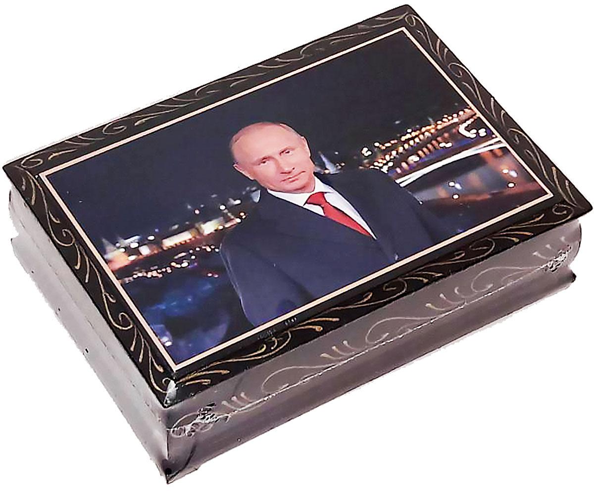 Кремлина конфеты чернослив с миндалем в шоколадной глазури шкатулка подарочная, 300 г4607039270273_путинПодарочная серия конфет в шкатулке лаковая миниатюра с конфетами Чернослив шоколадный с миндалем. Полезное лакомство - слоган компании Кремлина. В своих продуктах компания совмещает прекрасный вкус и высокую ценность для здоровья. Чернослив богат антиоксидантами и микроэлементами. Сделайте комплимент вашим вкусовым рецепторам и здоровью.