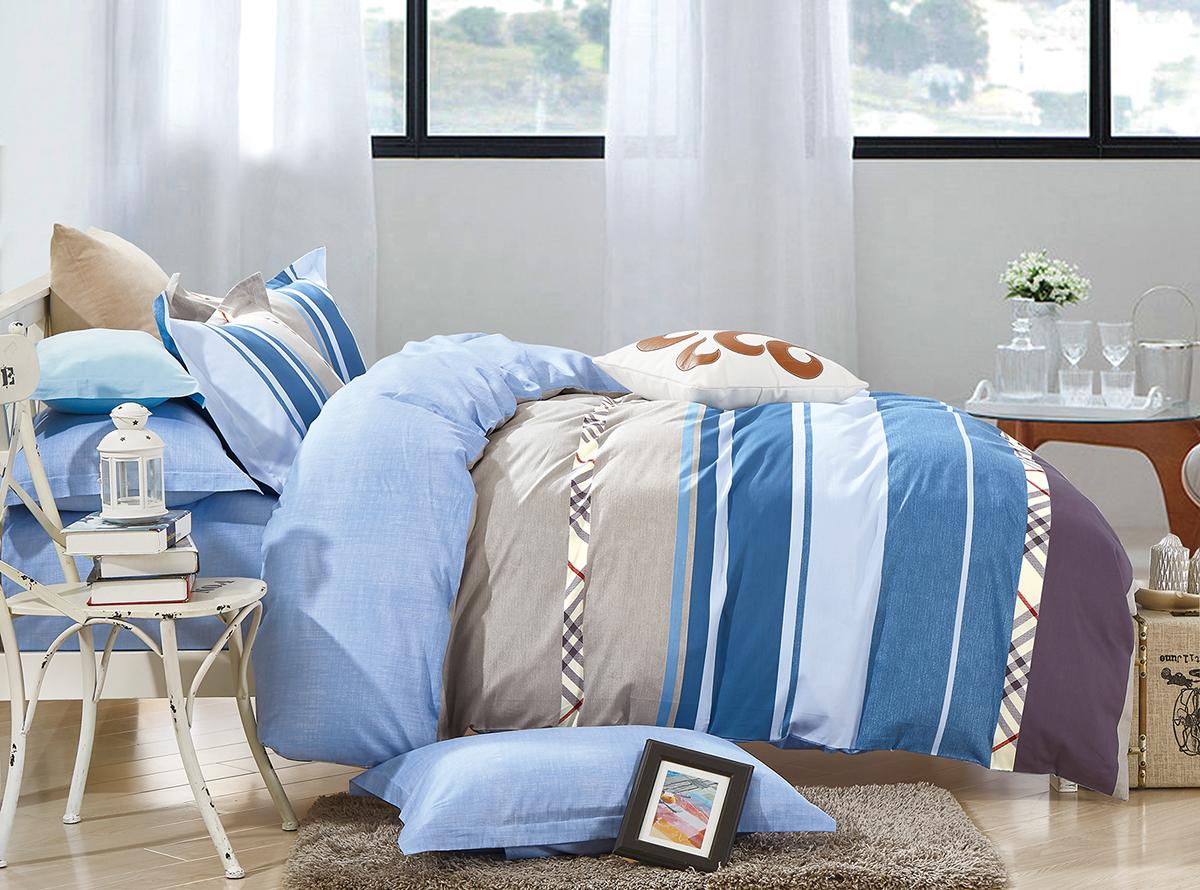 Комплект белья Soft Line, 1,5-спальный, наволочки 50x70. 1052010520Роскошный комплект постельного белья Soft Line выполнен из качественного плотного сатина и украшен оригинальным рисунком. Комплект состоит из пододеяльника, простыни и двух наволочек.Постельное белье Soft Line подобно облаку сочетает в себе плотность цвета и безграничную нежность фактуры. Это белье обладает волшебной практичностью, а потому оказываться на седьмом небе станет вашим привычным занятием.Доверьте заботу о качестве вашего сна высококачественному натуральному материалу.Сатин - это ткань из 100% натурального хлопка. Мягкость и нежность материала создает чувство комфорта и защищенности. Классический натуральный природный материал делает это постельное белье нежным, элегантным и приятным.