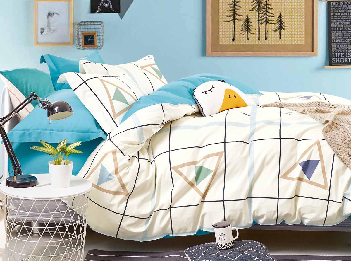 Комплект белья Soft Line, 1,5-спальный, наволочки 50x70. 1057610576Роскошный комплект постельного белья Soft Line выполнен из качественного плотного сатина и украшен оригинальным рисунком. Комплект состоит из пододеяльника, простыни и двух наволочек.Постельное белье Soft Line подобно облаку сочетает в себе плотность цвета и безграничную нежность фактуры. Это белье обладает волшебной практичностью, а потому оказываться на седьмом небе станет вашим привычным занятием.Доверьте заботу о качестве вашего сна высококачественному натуральному материалу.Сатин - это ткань из 100% натурального хлопка. Мягкость и нежность материала создает чувство комфорта и защищенности. Классический натуральный природный материал делает это постельное белье нежным, элегантным и приятным.