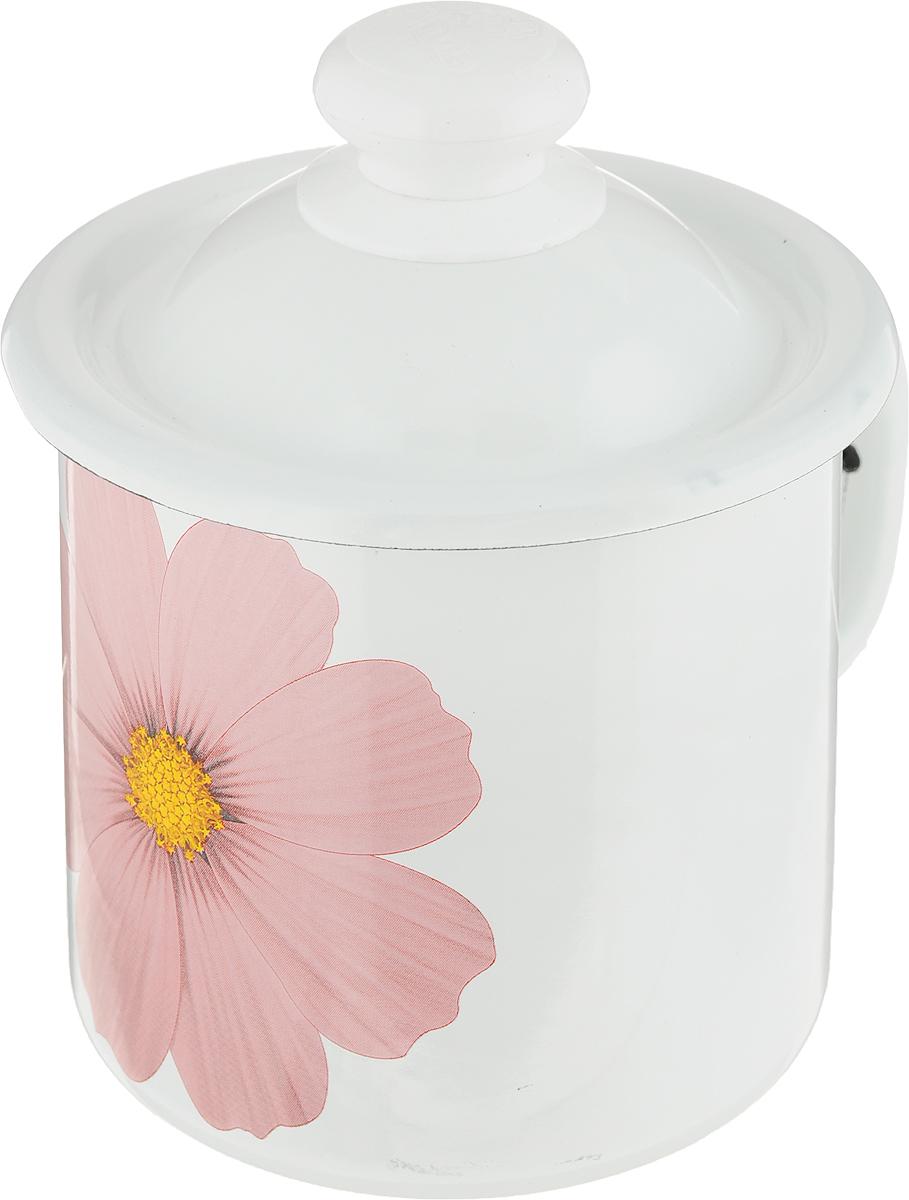 Кружка эмалированная Эмаль, цвет: белый, розовый, с крышкой, 1 л01-0207/4М_белый, розовыйКружка Эмаль изготовлена извысококачественной стали с эмалированнымпокрытием. Она оснащена удобной ручкой иукрашена ярким цветочным рисунком. Такая кружка нетребует особого ухода и ее легко мыть. Изделиеоснащено крышкой с пластиковой ручкой.Кружка прекрасно подходит для подогревамолока и многого другого. Кружка Эмаль займет достойное местона вашей кухне. Диаметр кружки (по верхнему краю): 12,5 см.Высота кружки (без учета крышки): 11,5 см.