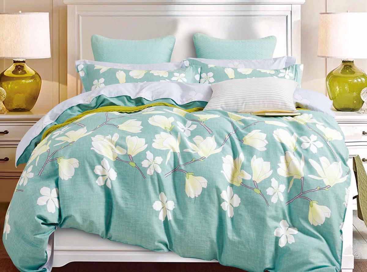 Комплект белья Soft Line, семейный, наволочки 50x70. 1053510535Роскошный комплект постельного белья Soft Line выполнен из качественного плотного сатина и украшен оригинальным рисунком. Комплект состоит из двух пододеяльников, простыни и двух наволочек.Постельное белье Soft Line подобно облаку сочетает в себе плотность цвета и безграничную нежность фактуры. Это белье обладает волшебной практичностью, а потому оказываться на седьмом небе станет вашим привычным занятием.Доверьте заботу о качестве вашего сна высококачественному натуральному материалу.Сатин - это ткань из 100% натурального хлопка. Мягкость и нежность материала создает чувство комфорта и защищенности. Классический натуральный природный материал делает это постельное белье нежным, элегантным и приятным.