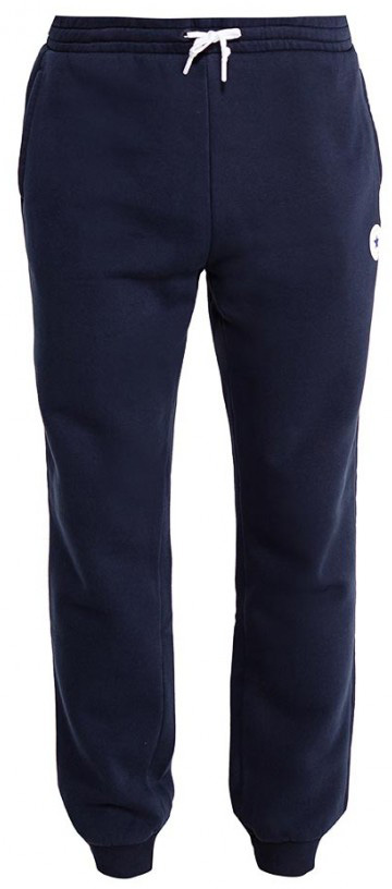 Брюки спортивные мужские Converse Core Jogger, цвет: темно-синий. 10004631424. Размер XL (52)10004631424Мужские спортивные брюки изготовлены из качественного трикотажа на основе хлопка. Модель на широкой эластичной резинке и шнурке на талии дополнена боковыми карманами. Брючины снизу оформлены широкими резинками. Такие брюки незаменимая вещь в спортивном и летнем гардеробе. Прекрасный выбор для занятий спортом или активного отдыха.