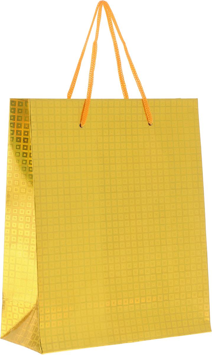 Пакет подарочный Magic Home Золотой глянец, 19 x 22 x 8 см76566Подарочный пакет Magic Home, изготовленный из плотной бумаги, станет незаменимым дополнением к выбранному подарку. Дно изделия укреплено картоном, который позволяет сохранить форму пакета и исключает возможность деформации дна под тяжестью подарка. Пакет выполнен с глянцевой ламинацией, что придает ему прочность, а изображению - яркость и насыщенность цветов. Для удобной переноски имеются две ручки в виде шнурков.