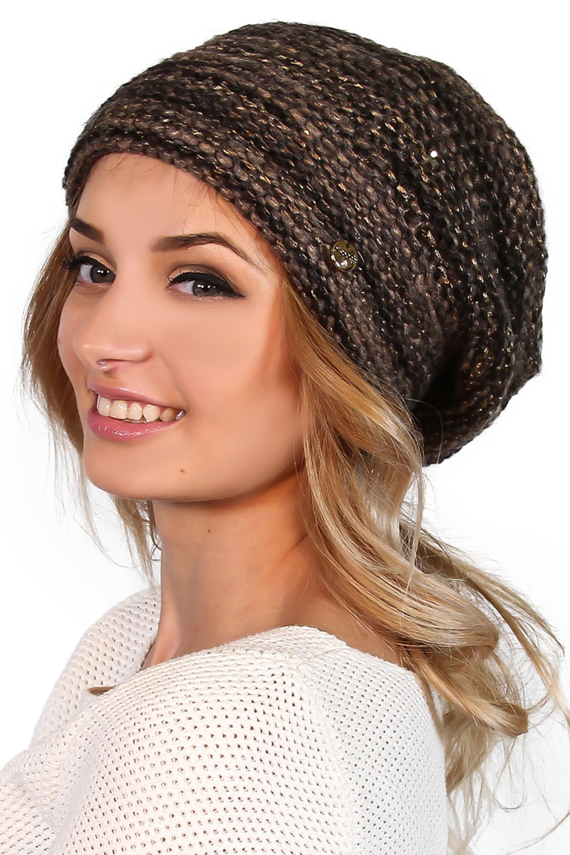 Шапка женская Dispacci, цвет: темно-бежевый. 21208CR. Размер 56/5821208CRБерет небольшого объема. Основное переплетение платочное в тандеме с пайетками - шикарный аксессуар. Внутренняя шапка из вспомогательной пряжи.