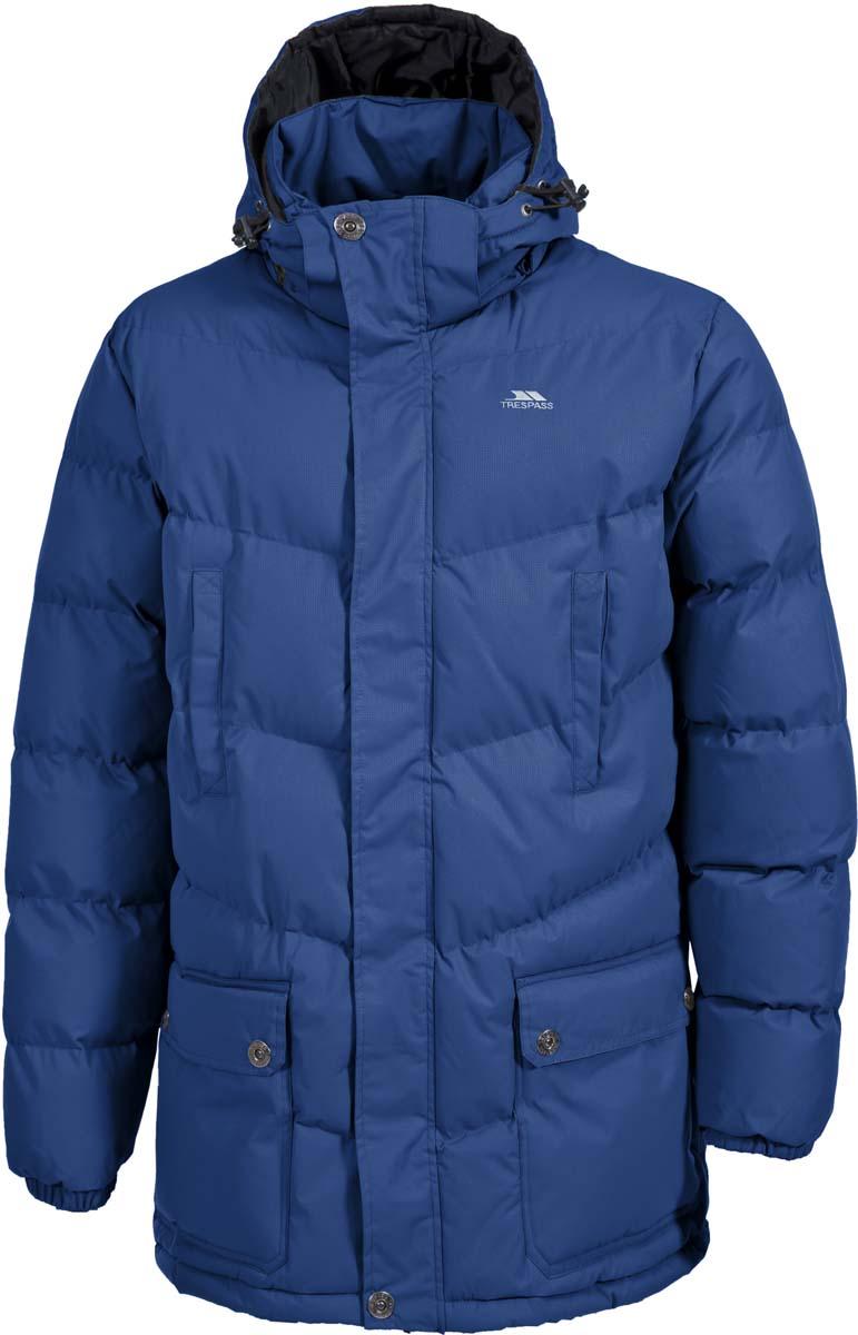 Куртка мужская Trespass Cumulus, цвет: синий. MAJKCAK20005. Размер S (48)MAJKCAK20005Теплая куртка Trespass Cumulus в стиле casua выполнена из 100% полиэстера и застегивается на застежку-молнию. Утеплитель ColdHeat 360 г/м2 (синтетический, микроволоконный с функцией быстрого отвода влаги и высоким уровнем теплозащиты и износостойкости). Каждый простроченный шов от иглы оставляет сотни отверстий, через которые влага может проникать внутрь куртки. Применение технологии Taped Seams - обработка швов термо-пластичесткой лентой под высоким давлением - запечатывает швы, тем самым препятствуя проникновению влаги внутрь куртки, дополнительно обеспечивая вашему телу сухость и комфорт. Материал верха защищает от влаги (влагозащита - 5 000мм) и имеет дополнительное усиление от разрыва. Модель дополнена утепленным регулируемым капюшоном.