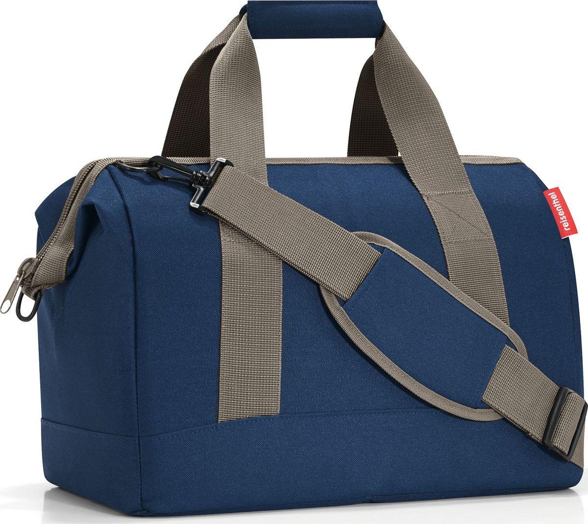 Сумка женская Reisenthel, цвет: синий. MS4059MS4059Практичная сумка для спорта и путешествий. Приятные объемные стенки и дно создают силуэт, напоминающий старинные врачебные сумки. Встроенные металлические скобы фиксируют сумку в открытом положении. Вы сможете легко доставать и складывать вещи внутрь, а также быстро находить нужную вам вещь.6 внутренних карманов позволяют удобно организовать пространство и сортировать предметы. Две ручки для переноски и ремень регулируемой длины позволяют носить сумку так, как вам удобно. Объем – 18 литров. Материал – высококачественный полиэстер. Он не намокает, легко чистится и прекрасно выглядит. Сумка прослужит вам действительно долго и будет радовать своим удобством.