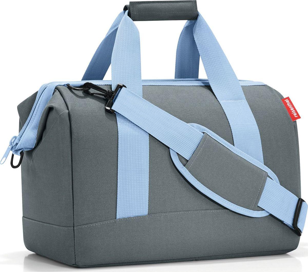 Сумка женская Reisenthel, цвет: серый. MS7043MS7043Практичная сумка для спорта и путешествий. Приятные объемные стенки и дно создают силуэт, напоминающий старинные врачебные сумки. Встроенные металлические скобы фиксируют сумку в открытом положении. Вы сможете легко доставать и складывать вещи внутрь, а также быстро находить нужную вам вещь.6 внутренних карманов позволяют удобно организовать пространство и сортировать предметы. Две ручки для переноски и ремень регулируемой длины позволяют носить сумку так, как вам удобно. Объем – 18 литров. Материал – высококачественный полиэстер. Он не намокает, легко чистится и прекрасно выглядит. Сумка прослужит вам действительно долго и будет радовать своим удобством.