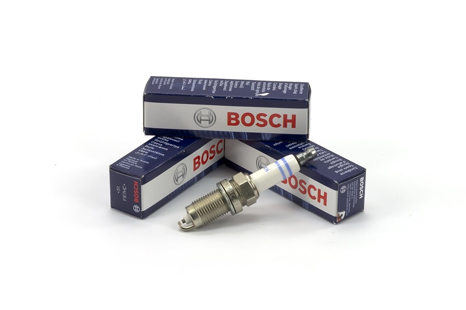 Свеча зажигания Bosch 242236242236