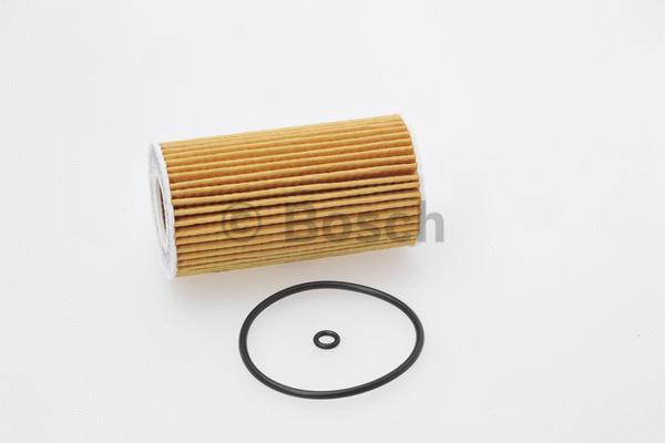 Фильтр масляный Bosch 1457437002