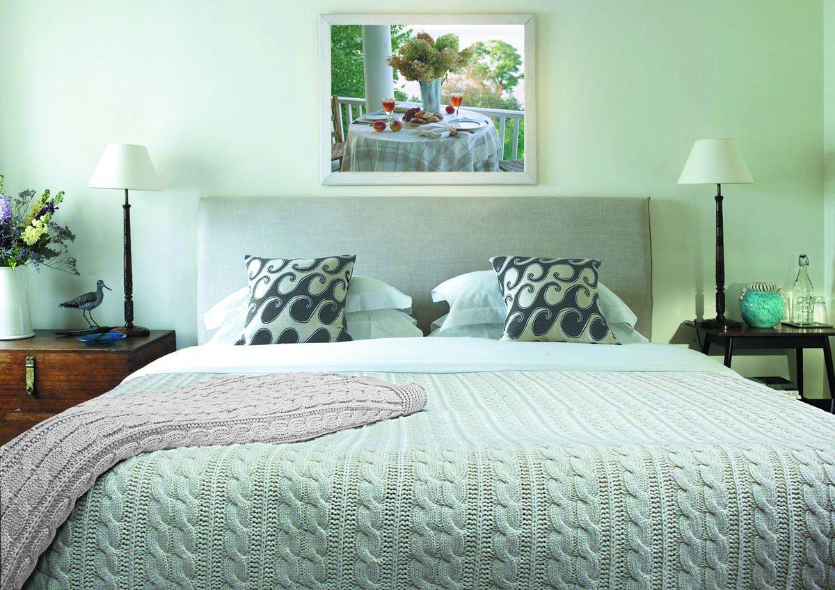 """Плед Buenas Noches """"Pigtail"""" отлично оживляет внутреннюю атмосферу дома. Выраженная структурная фактура полотна неповторима. Плед теплый, нежный, подкупающий не только высокими потребительскими характеристиками, но и уникальным, оригинальным внешним видом."""