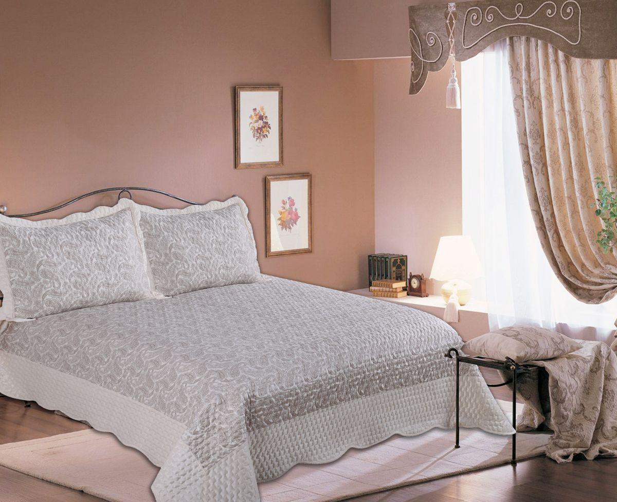 Комплект для спальни Amore Mio Calcutta: покрывало 220 х 240 см, наволочка,77125Покрывала AmoreMio из флок-сатина - классическое решение для интерьера. Молочно-бежевая цветовая гамма придаст уюта и спокойствия Вашей спальне. Покрывала отлично стираются в стиральной машине, на них приятно лежать, они практически не мнутся сохраняют свежий опрятный вид долгое время.