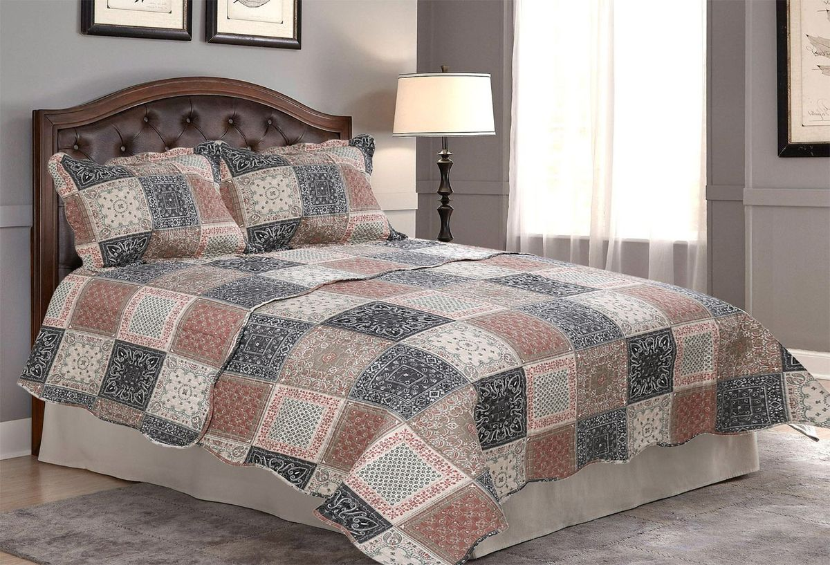 Комплект для спальни Amore Mio: покрывало 230 х 250 см, 2 наволочки. 8568185681Покрывала Pachwork Amore Mio - стеганые покрывала с печатным рисунком. Стильные, легкие, неприхотливые в уходе.