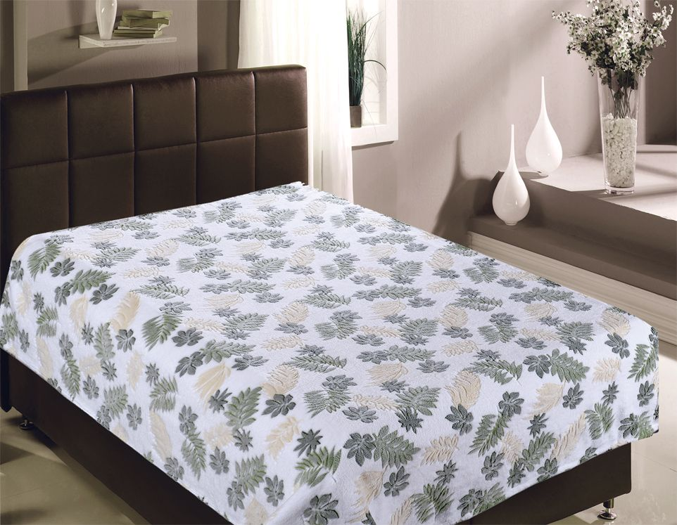 Плед Buenas Noches Bamboo. Листья, 200 х 220 см. 8675186751Пледы Buenas noches из колекции Bamboo - классические дизайны в бежево-коричневой цветовой гамме, объесный рисунок и исключительная мягкость. Ткань выполнена из 100% полиестера, не линяет, не деформируется. Этот плед универсален - может использоваться в качестве пледа, легкого одеяла или нарядного покрывала..