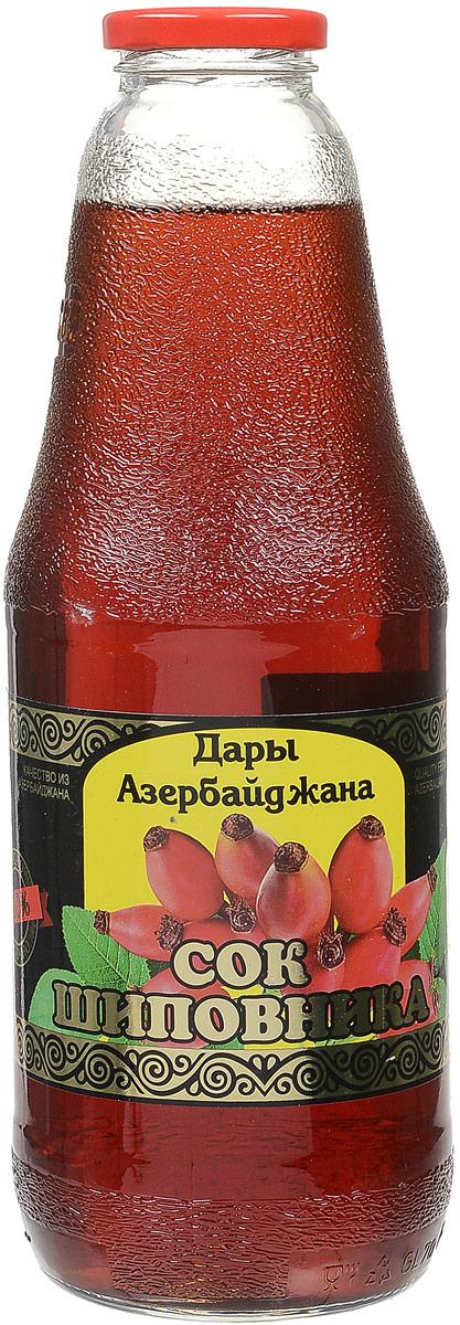 Дары Азербайджана сок шиповника, 1 л00-00000466Шиповниковый сок - это кладезь витаминов. Ягоды шиповника содержат 4-6% аскорбиновой кислоты, до 18 мг% каротина, витамины В2, Р, К, РР, Е. В ягодах есть органические кислоты (яблочная, лимонная, олеиновая, линолевая), соли железа, марганца, фосфора, магния, кальция, красящие и дубильные вещества, эфирное масло, флавоноиды, пектины, до 3% танинов, до 14% сахаров, такие редкие элементы, как молибден, медь и цинк. Сок из плодов шиповника обладает поливитаминными свойствами. Он обладает также антисклеротическим действием: понижает содержание холестерина в крови, замедляет отложение жироподобных масс в кровеносных сосудах, уменьшает проницаемость и хрупкость капилляров, улучшает использование витамина С организмом, повышает общую сопротивляемость организма, улучшает зрение. Сок шиповника регулирует обмен веществ, повышает сопротивляемость организма. Благодаря витамину С сок шиповника помогает человеку окрепнуть после болезни, повышает работоспособность. Кроме того витамины В2, К, Р, А способствуют прекращению воспалительных процессов в желудке, заживлению язв, ожогов, ран. Допускается естественный осадок. Перед употреблением взбалтывать.