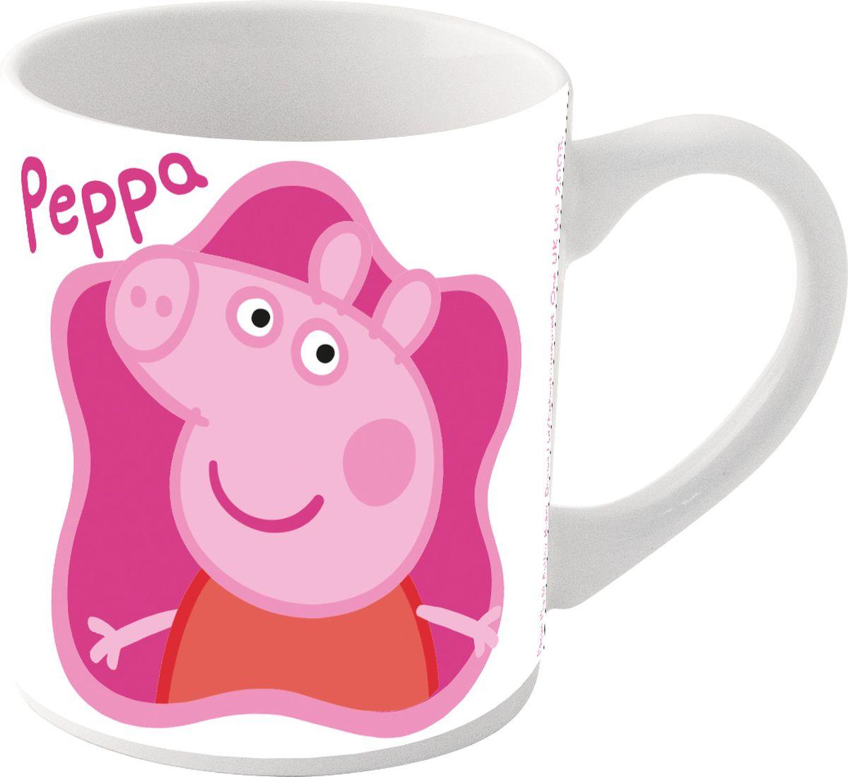 Stor Кружка детская Свинка Пеппа 325 мл в подарочной упаковке72706Оригинальная керамическая посуда с изображением любимых героев - прекрасный подарок для детей и взрослых. Можно использовать в СВЧ-печи и посудомоечной машине.Размер: 8,7 х 10 см.