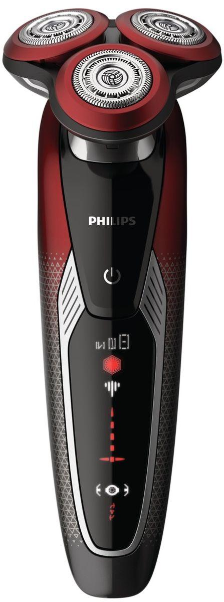 Philips Star Wars SW9700/67 электробритва для сухого и влажного бритьяSW9700/67Электробритва серии Star Wars (Звездные Войны) - Темная сторона. Безупречное комфортное бритье и идеальный контакт с кожей. Ощутите мощь V-Track Pro! Оцените возможности системы V-Track PRO, которая справляется даже с длинной щетиной. VTrack PRO состоит из 72 самозатачивающихся лезвий V-образной формы, которые срезают даже длинную щетину, в том числе трехдневную, предотвращая выдергивание волосков. А еще Вы можете выбрать один из 3-х режимов: бережный - для аккуратного и тщательного бритья чувствительной кожи, обычный - для тщательного бритья изо дня в день и быстрый - для минимального времени бритья. Технология AquaTec позволяет использовать как комфортное сухое, так и освежающее влажное бритье.