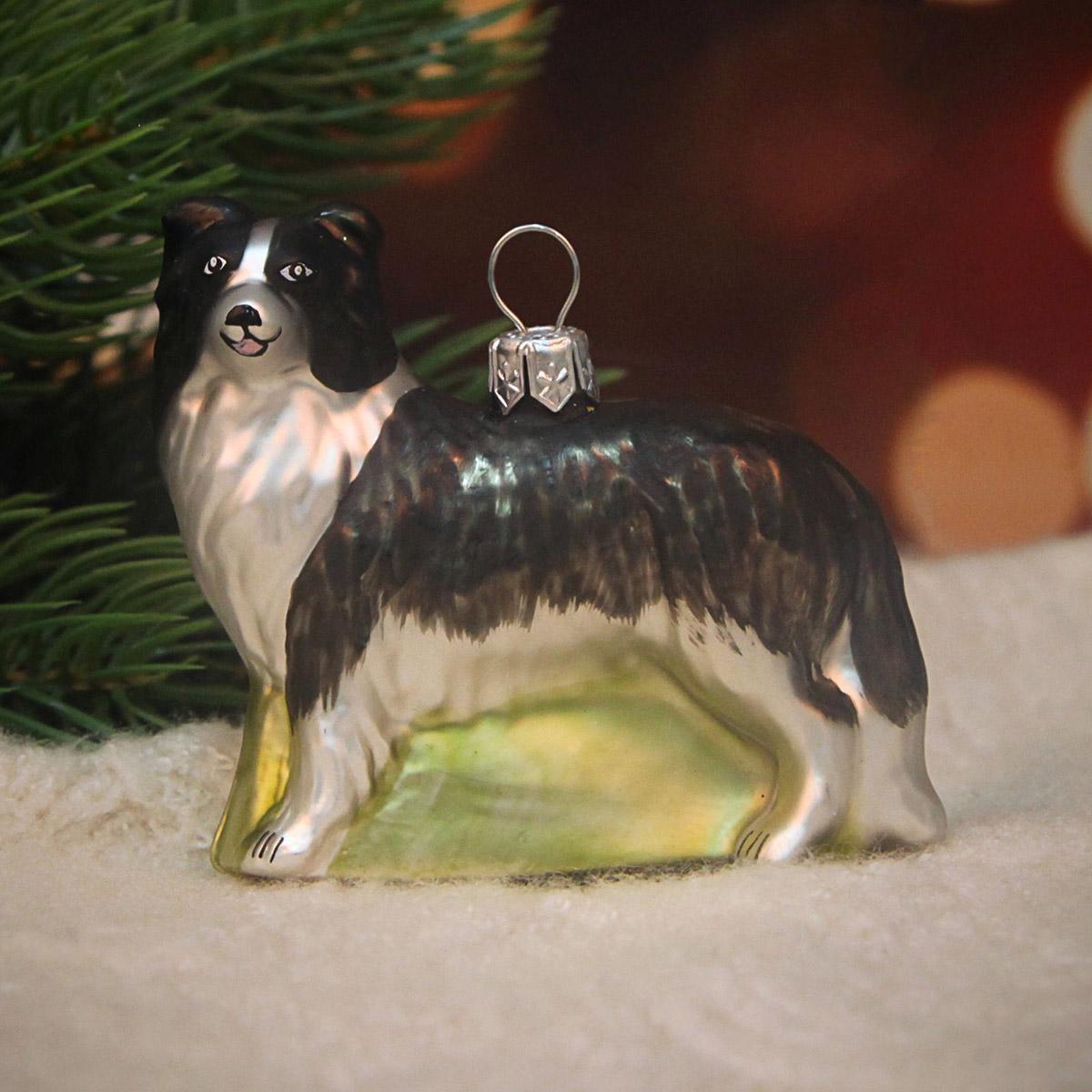 Украшение новогоднее елочное Hanco Design Собака-колли, высота 7 см106367Невозможно представить нашу жизнь без праздников! Мы всегда ждём их и предвкушаем, обдумываем, как проведём памятный день, тщательно выбираем подарки и аксессуары, ведь именно они создают и поддерживают торжественный настрой.
