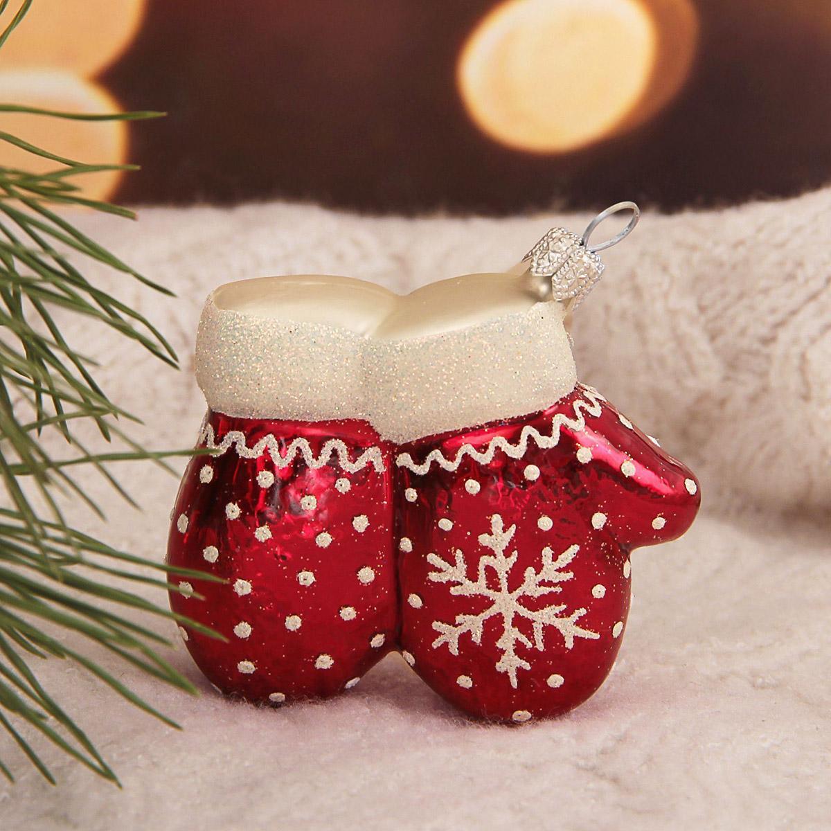 Украшение новогоднее елочное Hanco Design Варежки красные, высота 7 см106424Невозможно представить нашу жизнь без праздников! Мы всегда ждём их и предвкушаем, обдумываем, как проведём памятный день, тщательно выбираем подарки и аксессуары, ведь именно они создают и поддерживают торжественный настрой.