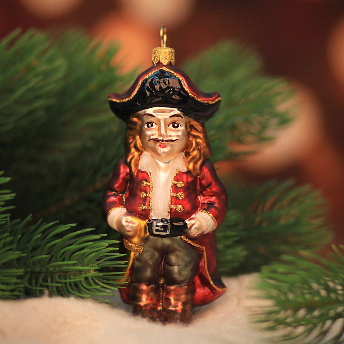Новогоднее подвесное украшение Hanco Design Веселый пират, цвет: бордовый, высота 12 см106431Новогоднее украшение Hanco Design отлично подойдет для декорации вашего дома и новогодней ели. Елочная игрушка - символ Нового года. Она несет в себе волшебство и красоту праздника. Такое украшение создаст в вашем доме атмосферу праздника, веселья и радости.