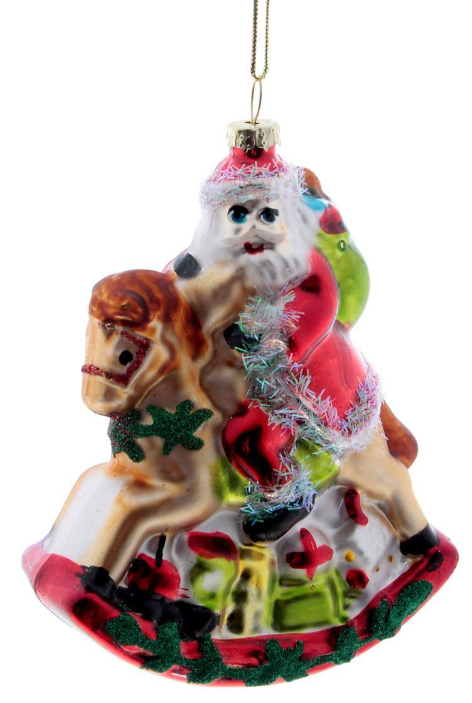Новогоднее подвесное украшение Sima-land Дед Мороз на лошадке, 11,6 х 9,1 х 3,6 см188131Новогоднее украшение Sima-land отлично подойдет для декорации вашего дома и новогодней ели. Елочная игрушка - символ Нового года. Она несет в себе волшебство и красоту праздника. Такое украшение создаст в вашем доме атмосферу праздника, веселья и радости.
