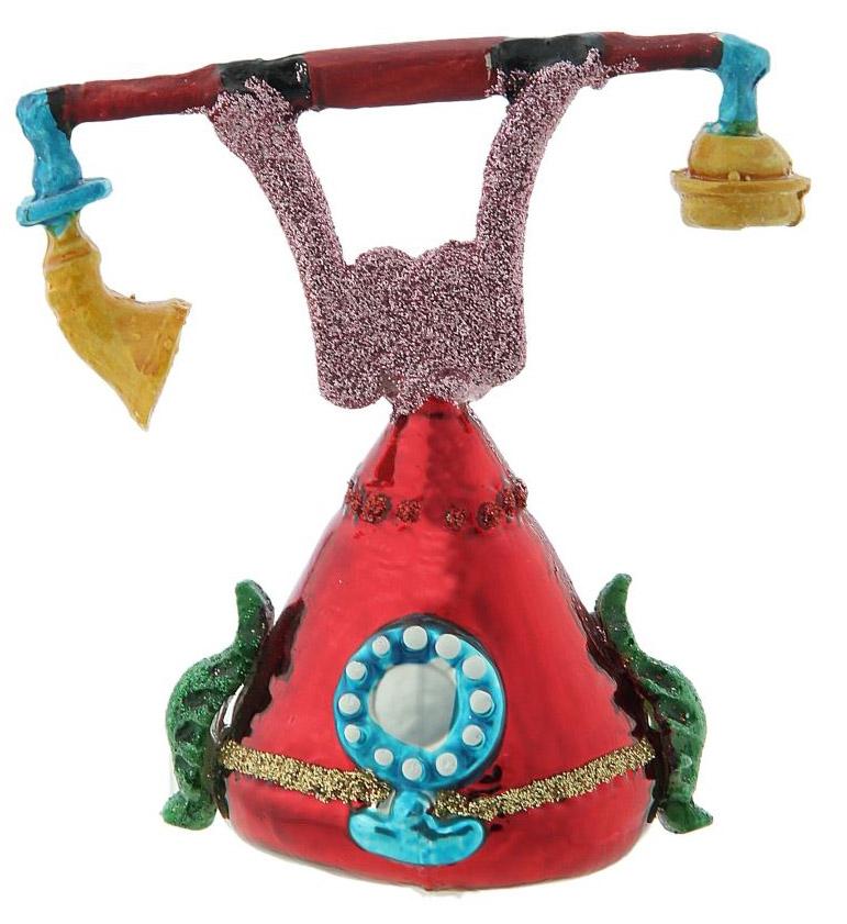 Новогоднее подвесное украшение Sima-land Телефон, 10 х 10,2 х 6,9 см188145Новогоднее украшение Sima-land отлично подойдет для декорации вашего дома и новогодней ели. Елочная игрушка - символ Нового года. Она несет в себе волшебство и красоту праздника. Такое украшение создаст в вашем доме атмосферу праздника, веселья и радости.