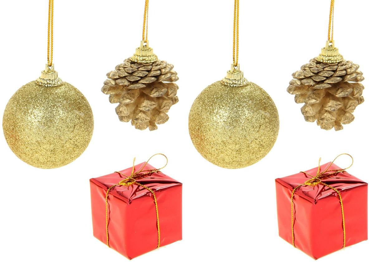 Набор новогодних подвесных украшений Sima-land 2 шарика, 2 подарка, 2 шишки, диаметр 4,5 см, 6 шт825942Невозможно представить нашу жизнь без праздников! Мы всегда ждём их и предвкушаем, обдумываем, как проведём памятный день, тщательно выбираем подарки и аксессуары, ведь именно они создают и поддерживают торжественный настрой.