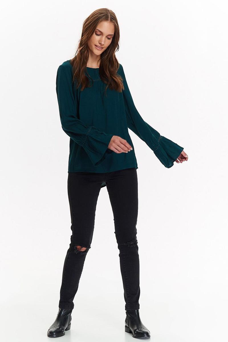 Блузка женская Top Secret, цвет: зеленый. SBD0755ZI. Размер 34 (42)SBD0755ZIСтильная блузка от Top Secret выполнена из натуральной вискозы. Модель свободного кроя с длинными рукавами и круглым вырезом горловины. Рукава понизу декорированы воланами.