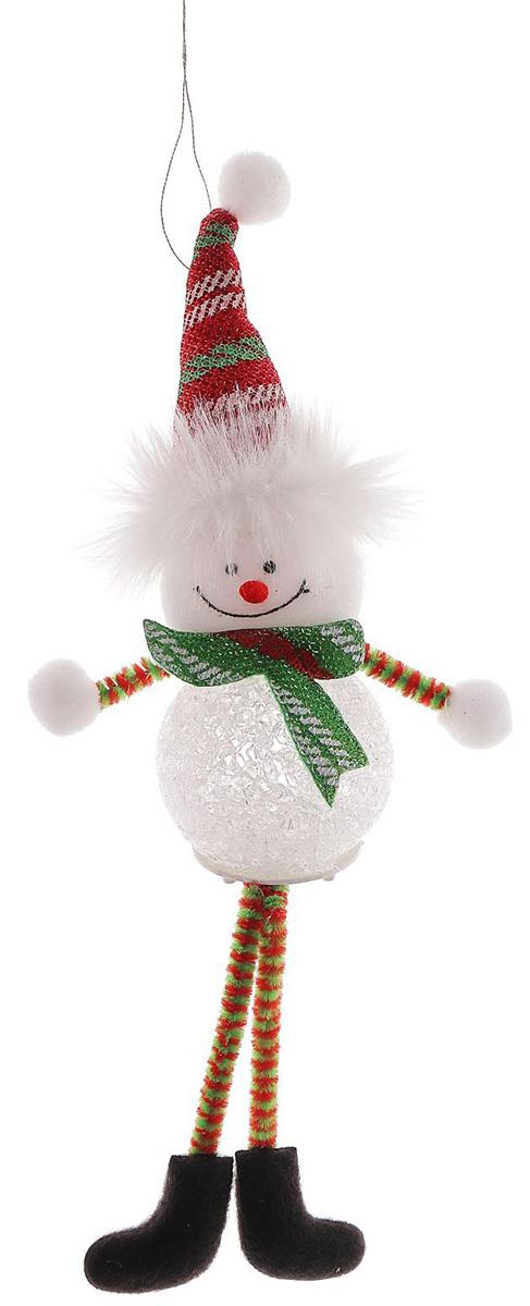 Новогоднее подвесное украшение Sima-land Снеговик. Красный колпак, светящаяся, 25 х 5 см1102738Новогоднее украшение Sima-land отлично подойдет для декорации вашего дома и новогодней ели.Елочная игрушка - символ Нового года. Она несет в себе волшебство и красоту праздника. Такое украшение создаст в вашем доме атмосферу праздника, веселья и радости.