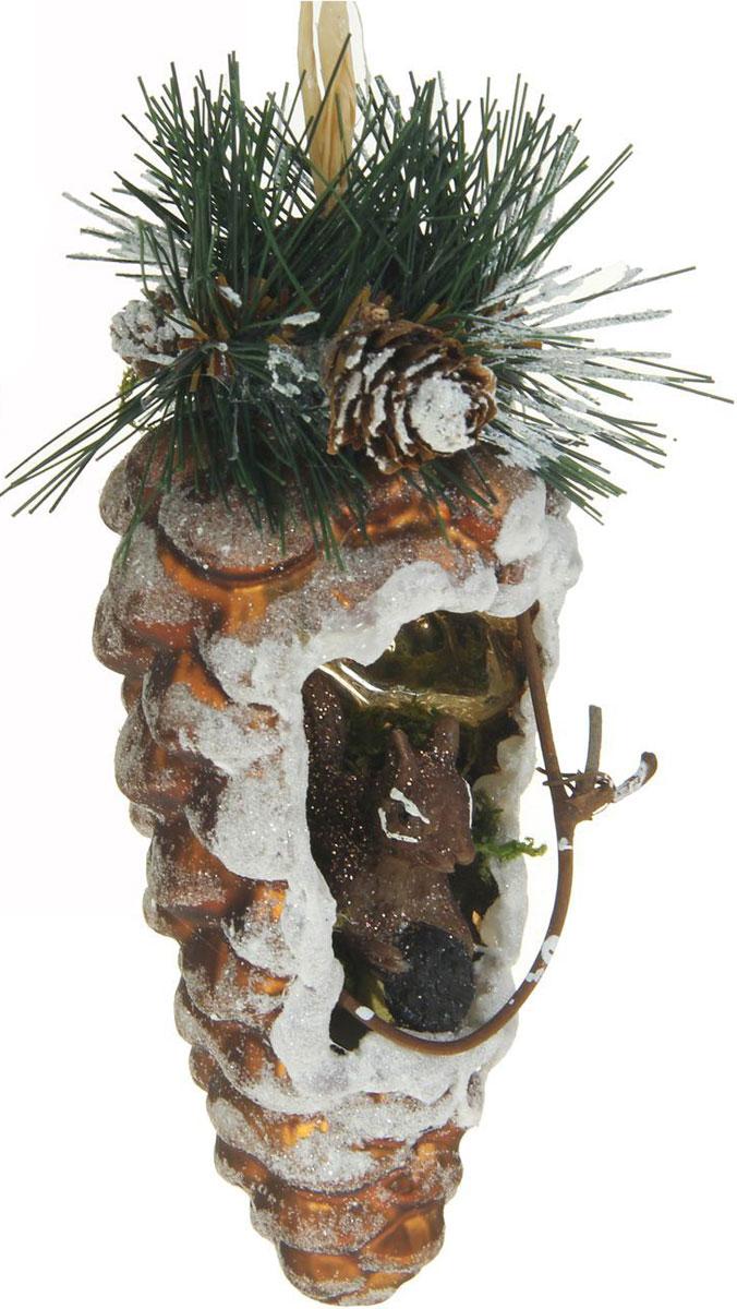 Новогоднее подвесное украшение Sima-land Шишка. Шик, белочка, 13,5 х 6 см1346662Новогоднее украшение Sima-land отлично подойдет для декорации вашего дома и новогодней ели. Елочная игрушка - символ Нового года. Она несет в себе волшебство и красоту праздника. Такое украшение создаст в вашем доме атмосферу праздника, веселья и радости.