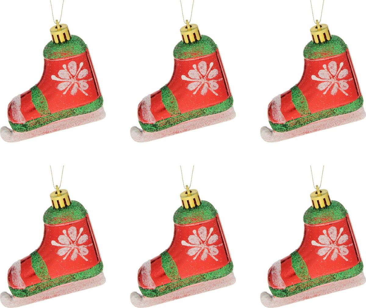 Новогоднее подвесное украшение Sima-land Коньки со цветком, 6,5 х 5,5 см, 6 шт1400105Новогоднее украшение Sima-land отлично подойдет для декорации вашего дома и новогодней ели. Елочная игрушка - символ Нового года. Она несет в себе волшебство и красоту праздника. Такое украшение создаст в вашем доме атмосферу праздника, веселья и радости.