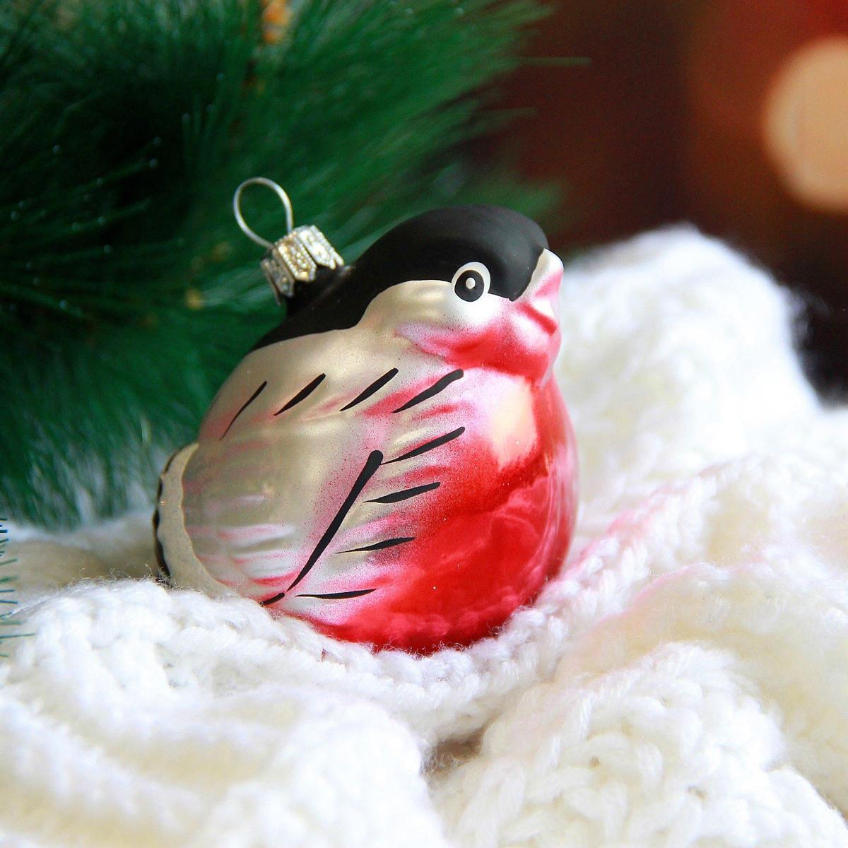Украшение новогоднее елочное Ёлочка Снегирь, 7 х 7 х 8 см1721446Невозможно представить нашу жизнь без праздников! Мы всегда ждём их и предвкушаем, обдумываем, как проведём памятный день, тщательно выбираем подарки и аксессуары, ведь именно они создают и поддерживают торжественный настрой.