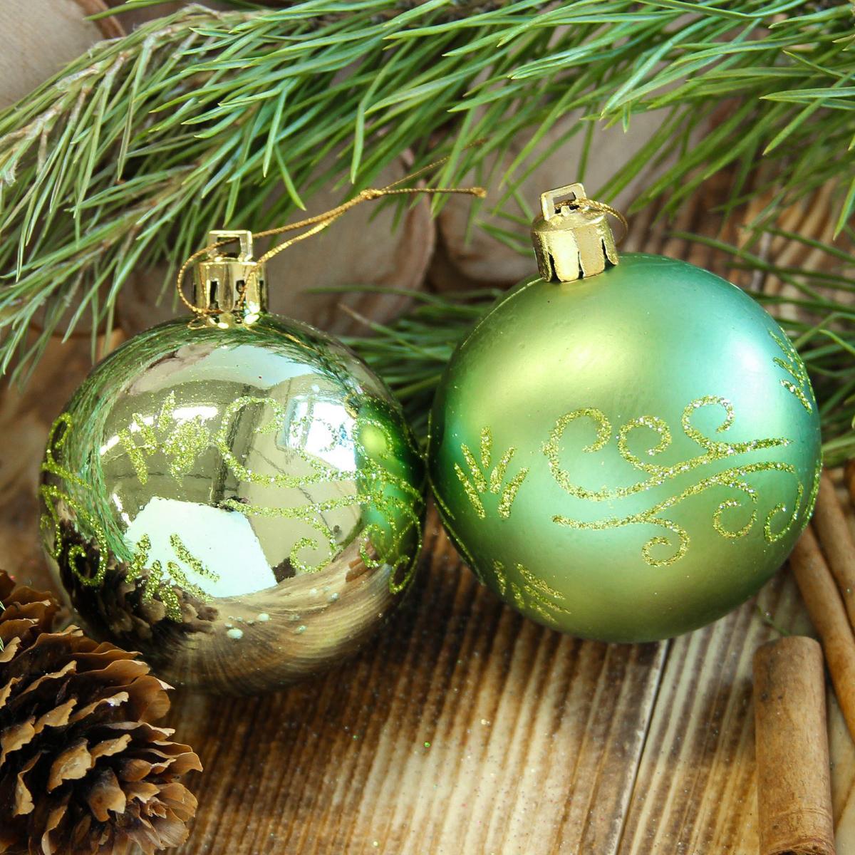 Набор новогодних подвесных украшений Sima-land Завитки, диаметр 6 см, 8 шт2122525Набор новогодних подвесных украшений Sima-land отлично подойдет для декорации вашего дома и новогодней ели. С помощью специальной петельки украшение можно повесить в любом понравившемся вам месте. Но, конечно, удачнее всего оно будет смотреться на праздничной елке. Елочная игрушка - символ Нового года. Она несет в себе волшебство и красоту праздника. Создайте в своем доме атмосферу веселья и радости, украшая новогоднюю елку нарядными игрушками, которые будут из года в год накапливать теплоту воспоминаний.
