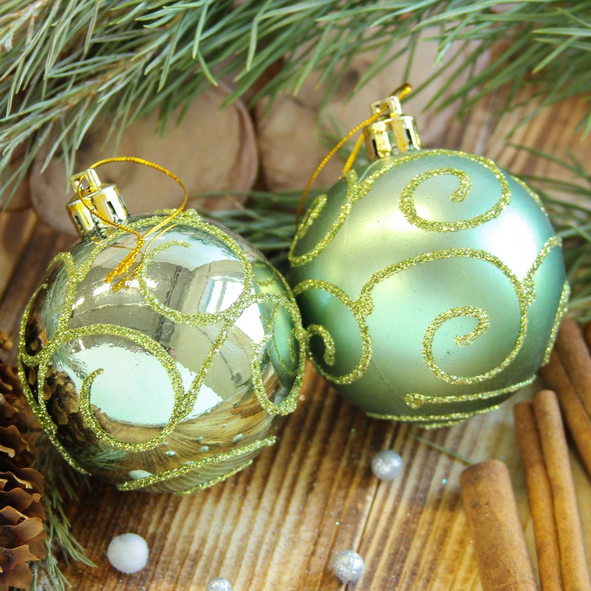 Набор новогодних подвесных украшений Sima-land Цветущая ветвь, цвет: зеленый, диаметр 6 см, 8 шт2122526Набор новогодних подвесных украшений Sima-land отлично подойдет для декорации вашего дома и новогодней ели. С помощью специальной петельки украшение можно повесить в любом понравившемся вам месте. Но, конечно, удачнее всего оно будет смотреться на праздничной елке. Елочная игрушка - символ Нового года. Она несет в себе волшебство и красоту праздника. Создайте в своем доме атмосферу веселья и радости, украшая новогоднюю елку нарядными игрушками, которые будут из года в год накапливать теплоту воспоминаний.