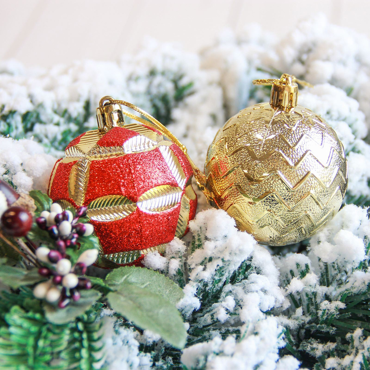 Набор новогодних подвесных украшений Sima-land Аллегро, цвет: желтый, диаметр 6 см, 9 шт свеча ароматизированная sima land лимон на подставке высота 6 см