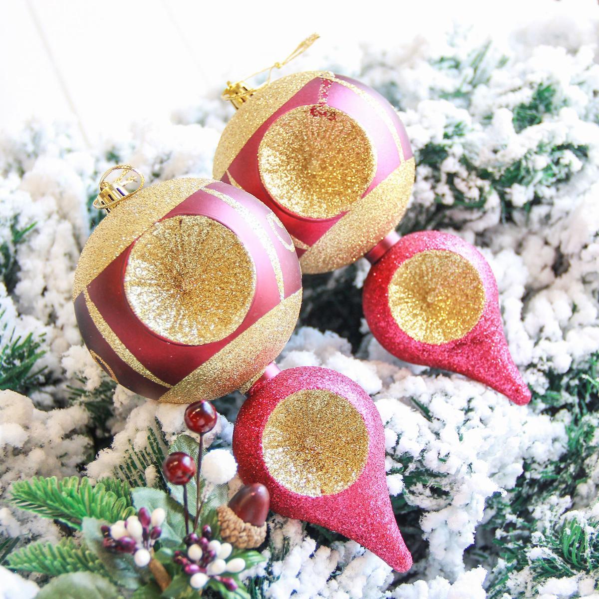 Набор новогодних подвесных украшений Sima-land Мега сосульки, цвет: бордовый, 16,5 х 8 см, 2 шт2122903Набор новогодних подвесных украшений Sima-land отлично подойдет для декорации вашего дома и новогодней ели. С помощью специальной петельки украшение можно повесить в любом понравившемся вам месте. Но, конечно, удачнее всего оно будет смотреться на праздничной елке. Елочная игрушка - символ Нового года. Она несет в себе волшебство и красоту праздника. Создайте в своем доме атмосферу веселья и радости, украшая новогоднюю елку нарядными игрушками, которые будут из года в год накапливать теплоту воспоминаний.