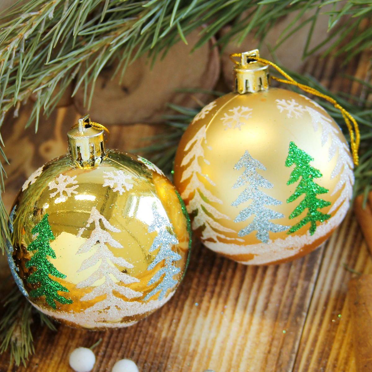 Набор новогодних подвесных украшений Sima-land Елочки, диаметр 6 см, 8 шт2122933Набор новогодних подвесных украшений Sima-land отлично подойдет для декорации вашего дома и новогодней ели. С помощью специальной петельки украшение можно повесить в любом понравившемся вам месте. Но, конечно, удачнее всего оно будет смотреться на праздничной елке. Елочная игрушка - символ Нового года. Она несет в себе волшебство и красоту праздника. Создайте в своем доме атмосферу веселья и радости, украшая новогоднюю елку нарядными игрушками, которые будут из года в год накапливать теплоту воспоминаний.
