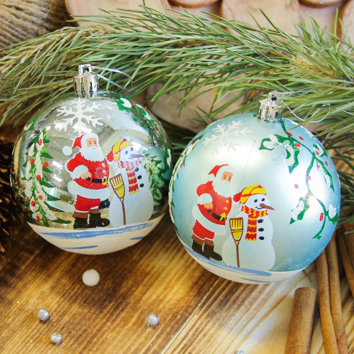 Набор новогодних подвесных украшений Sima-land Дед мороз со снеговиком, диаметр 8 см, 6 шт2122968Набор новогодних подвесных украшений Sima-land отлично подойдет для декорации вашего дома и новогодней ели. С помощью специальной петельки украшение можно повесить в любом понравившемся вам месте. Но, конечно, удачнее всего оно будет смотреться на праздничной елке. Елочная игрушка - символ Нового года. Она несет в себе волшебство и красоту праздника. Создайте в своем доме атмосферу веселья и радости, украшая новогоднюю елку нарядными игрушками, которые будут из года в год накапливать теплоту воспоминаний.