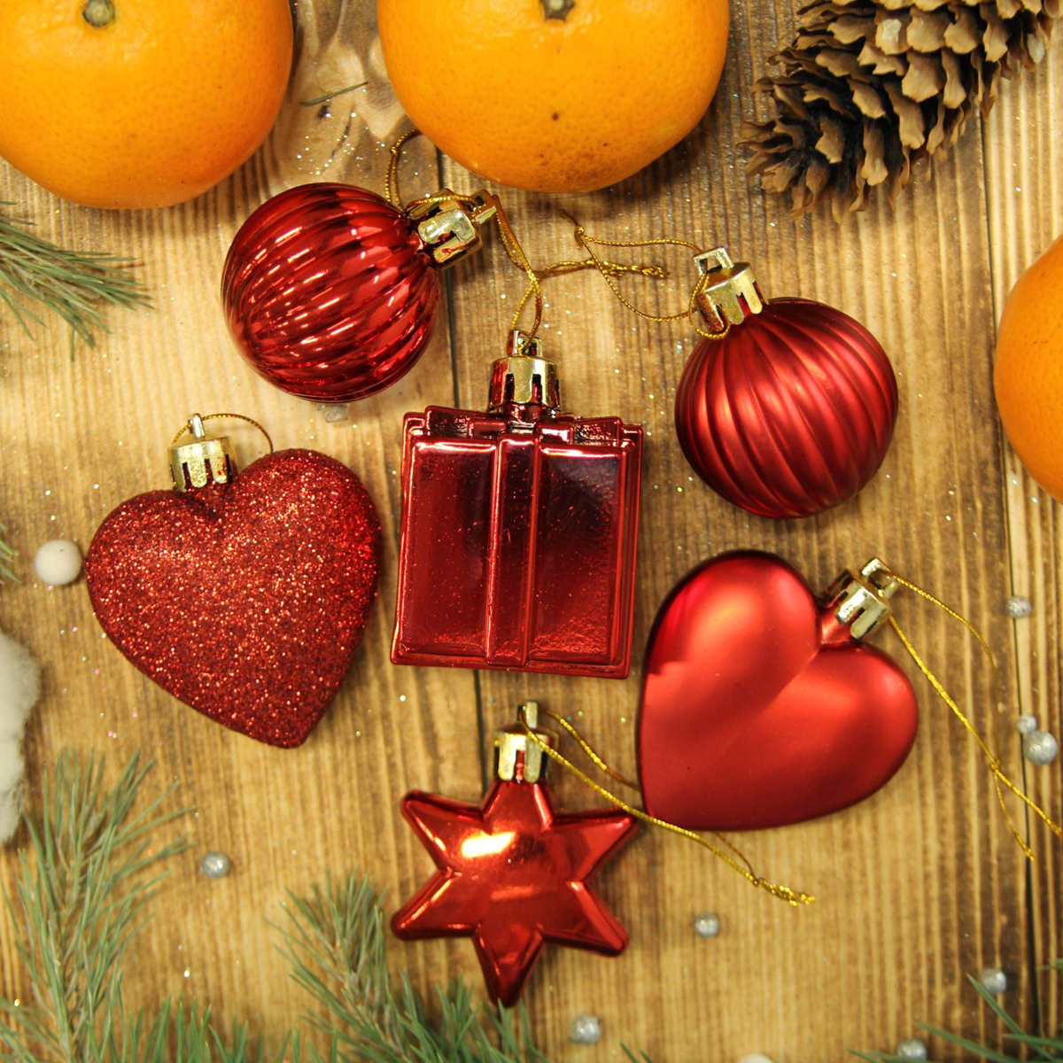Набор новогодних подвесных украшений Sima-land Красное ассорти, 24 шт2122993Набор новогодних подвесных украшений Sima-land отлично подойдет для декорации вашего дома и новогодней ели. С помощью специальной петельки украшение можно повесить в любом понравившемся вам месте. Но, конечно, удачнее всего оно будет смотреться на праздничной елке. Елочная игрушка - символ Нового года. Она несет в себе волшебство и красоту праздника. Создайте в своем доме атмосферу веселья и радости, украшая новогоднюю елку нарядными игрушками, которые будут из года в год накапливать теплоту воспоминаний.