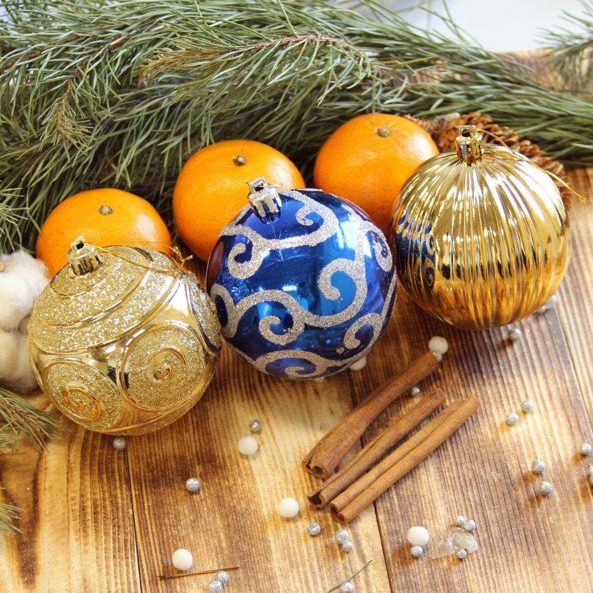 Набор новогодних подвесных украшений Sima-land Элит, диаметр 8 см, 12 шт2123001Невозможно представить нашу жизнь без праздников! Мы всегда ждём их и предвкушаем, обдумываем, как проведём памятный день, тщательно выбираем подарки и аксессуары, ведь именно они создают и поддерживают торжественный настрой.