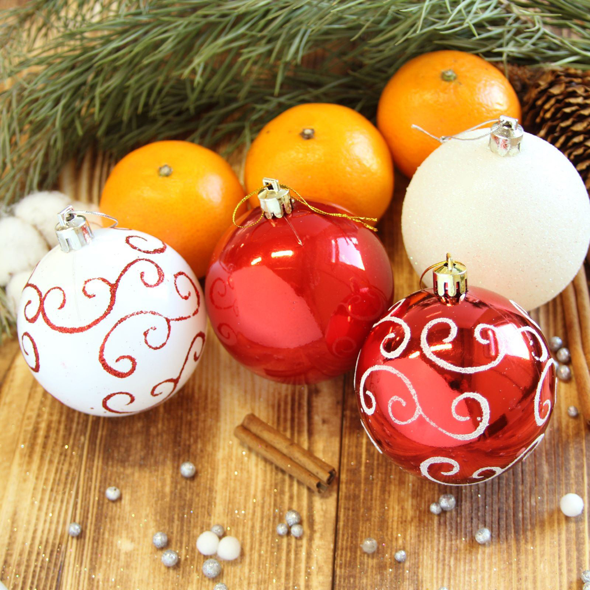 Набор новогодних подвесных украшений Sima-land Узоры, диаметр 7 см, 32 шт2123009Набор новогодних подвесных украшений Sima-land отлично подойдет для декорации вашего дома и новогодней ели. С помощью специальной петельки украшение можно повесить в любом понравившемся вам месте. Но, конечно, удачнее всего оно будет смотреться на праздничной елке. Елочная игрушка - символ Нового года. Она несет в себе волшебство и красоту праздника. Создайте в своем доме атмосферу веселья и радости, украшая новогоднюю елку нарядными игрушками, которые будут из года в год накапливать теплоту воспоминаний.