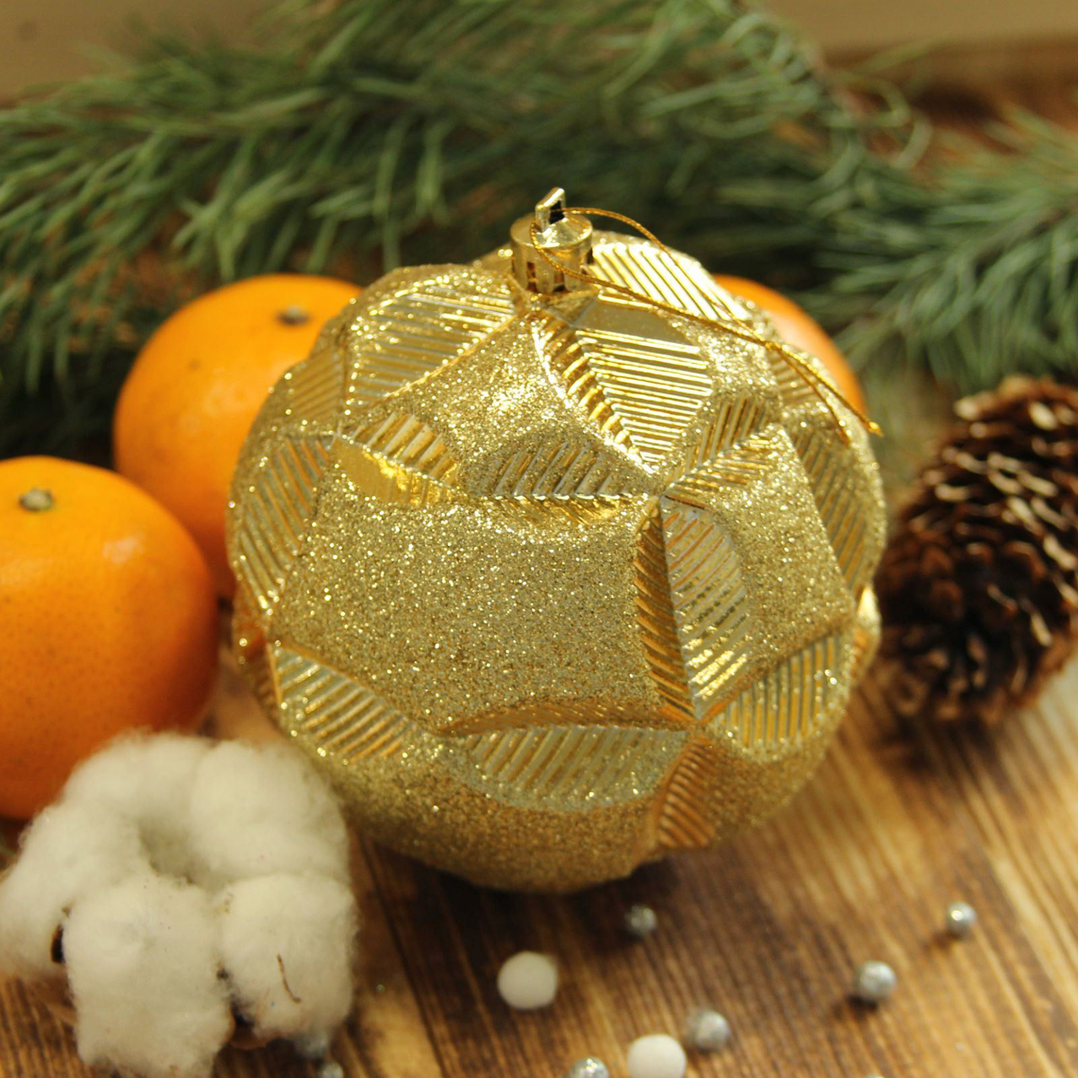 Набор новогодних подвесных украшений Sima-land Цветочный рельеф, цвет: золотистый, диаметр 10 см, 2 шт2123012Набор новогодних подвесных украшений Sima-land отлично подойдет для декорации вашего дома и новогодней ели. С помощью специальной петельки украшение можно повесить в любом понравившемся вам месте. Но, конечно, удачнее всего оно будет смотреться на праздничной елке. Елочная игрушка - символ Нового года. Она несет в себе волшебство и красоту праздника. Создайте в своем доме атмосферу веселья и радости, украшая новогоднюю елку нарядными игрушками, которые будут из года в год накапливать теплоту воспоминаний.