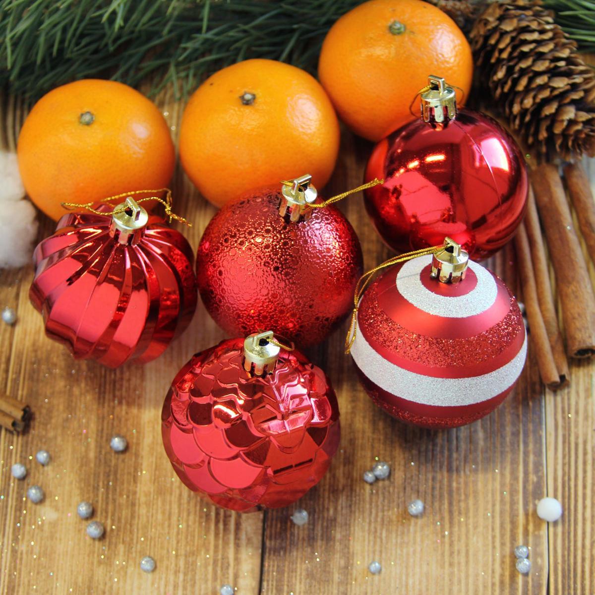 Набор новогодних подвесных украшений Sima-land Элит, цвет: красный, диаметр 6 см, 20 шт2123022Набор новогодних подвесных украшений Sima-land отлично подойдет для декорации вашего дома и новогодней ели. С помощью специальной петельки украшение можно повесить в любом понравившемся вам месте. Но, конечно, удачнее всего оно будет смотреться на праздничной елке. Елочная игрушка - символ Нового года. Она несет в себе волшебство и красоту праздника. Создайте в своем доме атмосферу веселья и радости, украшая новогоднюю елку нарядными игрушками, которые будут из года в год накапливать теплоту воспоминаний.